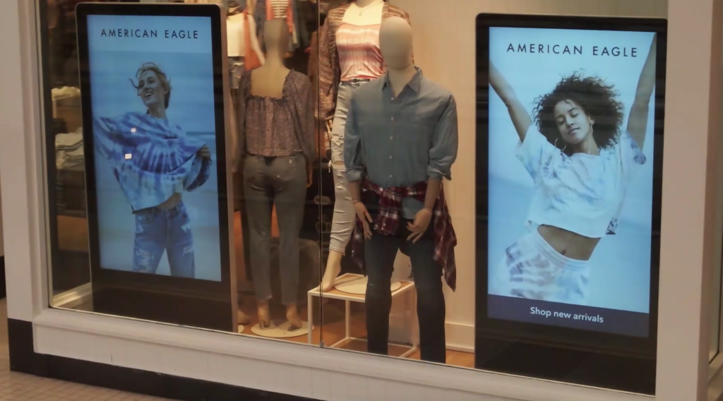 digital signage for retail stores